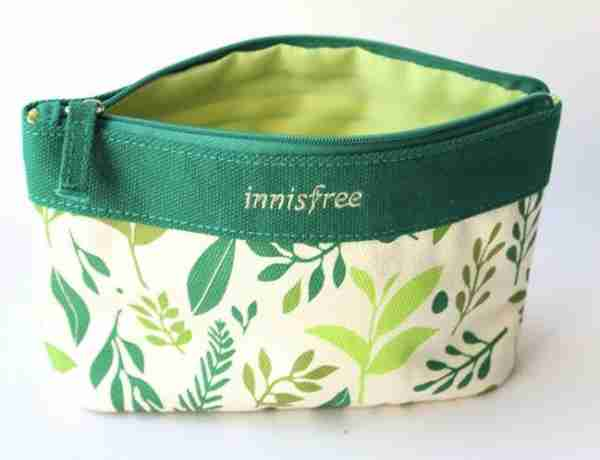 Canvas cosmetic pouches with zipper