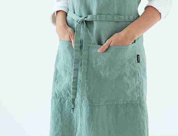 Washed linen lab apron